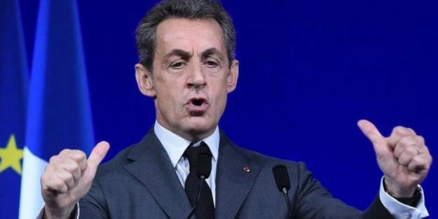 Fransa'da Sarkozy'e hapis cezası verildi