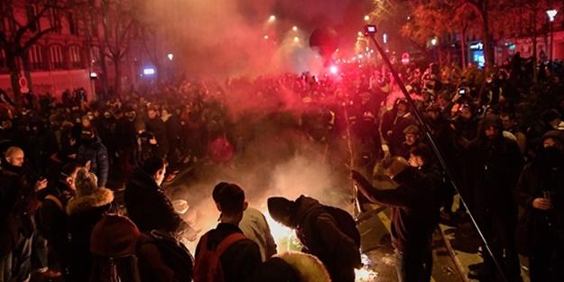 Fransa sokakları savaş alanına döndü