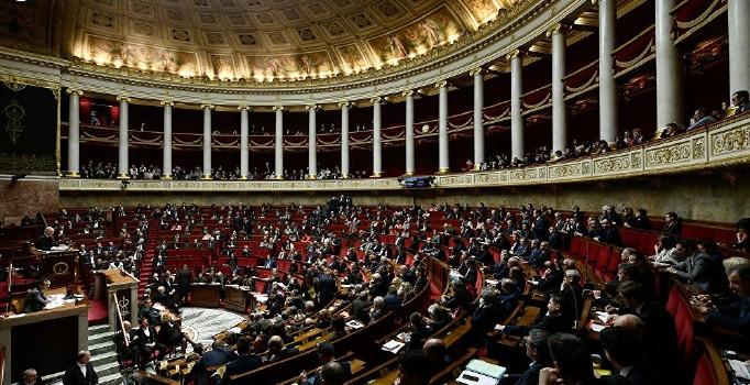 Fransa'da 'hata yapma hakkı' yasası Meclis'te onaylandı
