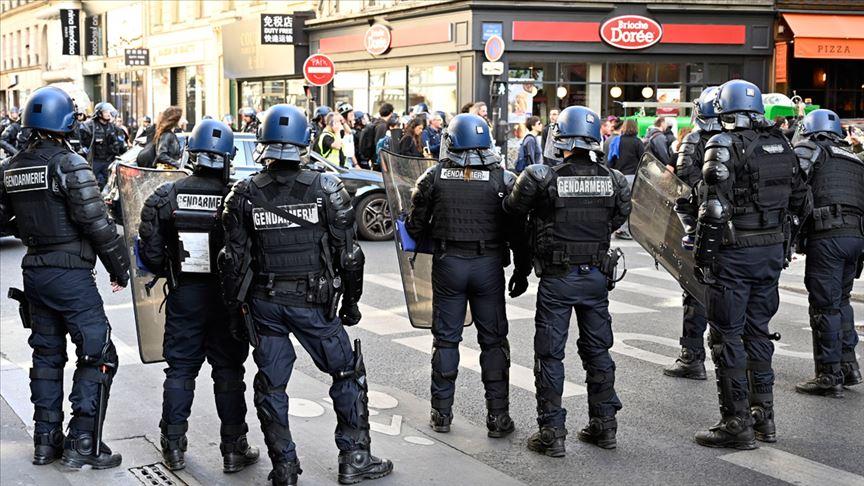 Fransa'da sarı yeleklilerin gösterileri 46. haftasındada devam ediyor