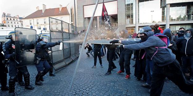 Fransa'da seçimlerin ardından sokaklar karıştı
