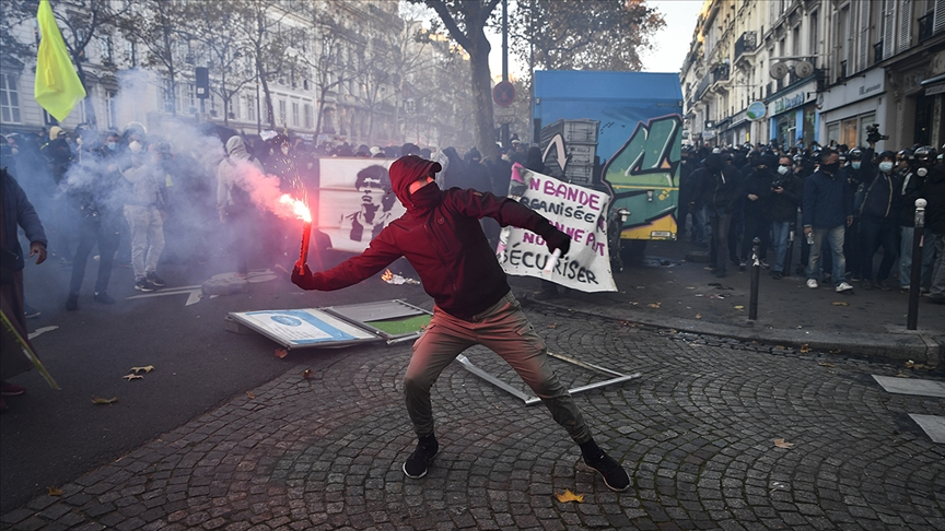 Fransa'da tepkiler üzerine güvenlik yasa tasarısının 24. maddesi yeniden yazılacak