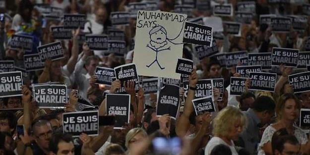 Fransızlardan bir alçaklık daha: Yine Peygamber Efendimiz'e hakaret ettiler