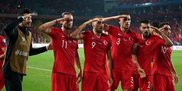 Fransızlardan küstah çıkış: Türkler asker selamı vermeye kalkarsa...