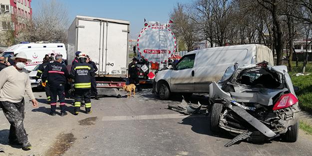 Freni boşalan kamyon otomobilleri biçti