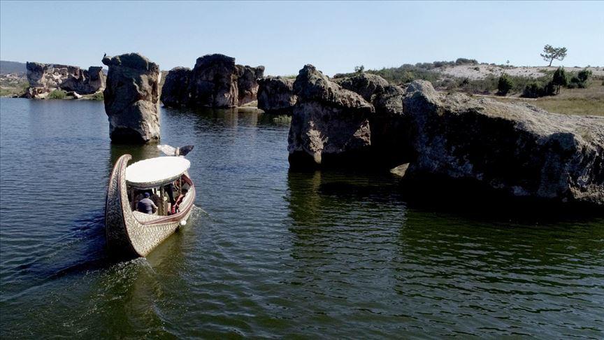 Frigya'da turist sayısı giderek katlanıyor