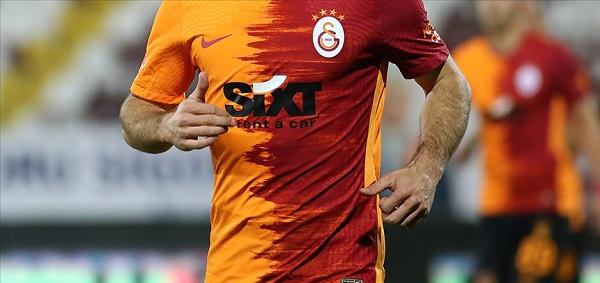 Galatasaray'da hangi futbolcu korona oldu?