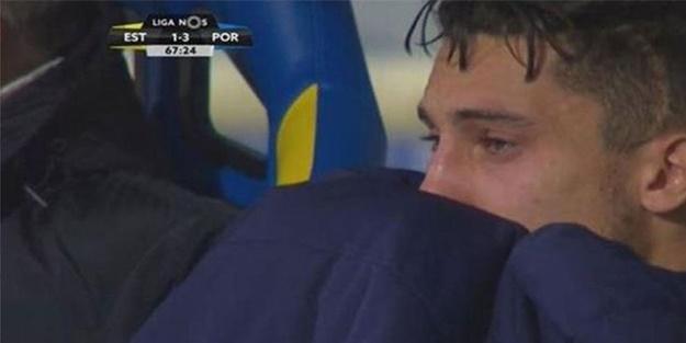 Galatasaray'ın eski yıldızı Alex Telles gözyaşlarına boğuldu!