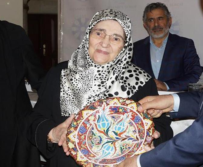 Gazeteci-yazar Şule Yüksel Şenler hayatını kaybetti