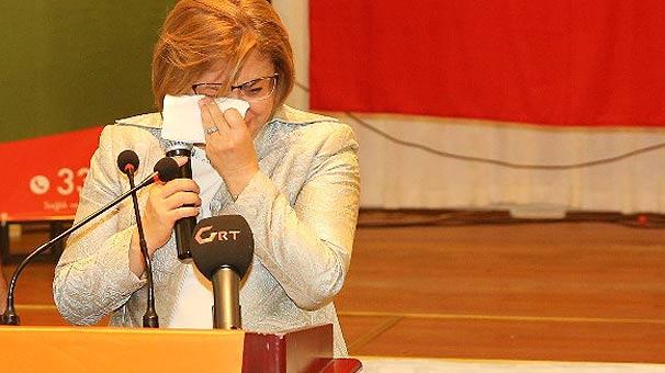 Gaziantep Büyükşehir Belediye Başkanı Şahin kürsüde gözyaşlarına boğuldu