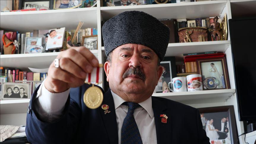 Gazinin yıllar sonra gelen gazilik madalyası sevinci