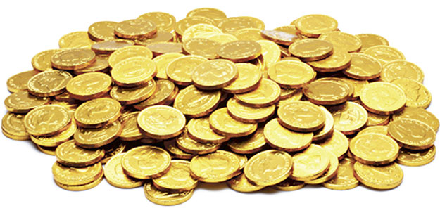 Gece fakirlere altın dağıttı