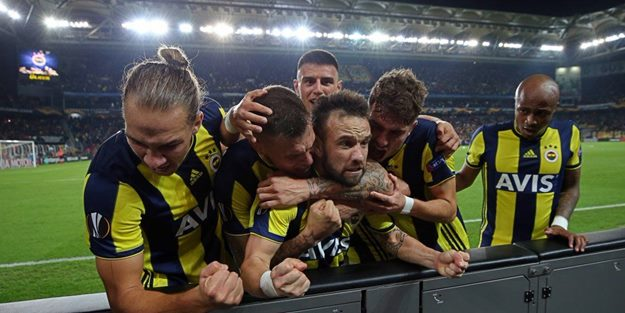 Geceye Fenerbahçe damgası! Anderlecht'e 3 dakikada 2 gol!