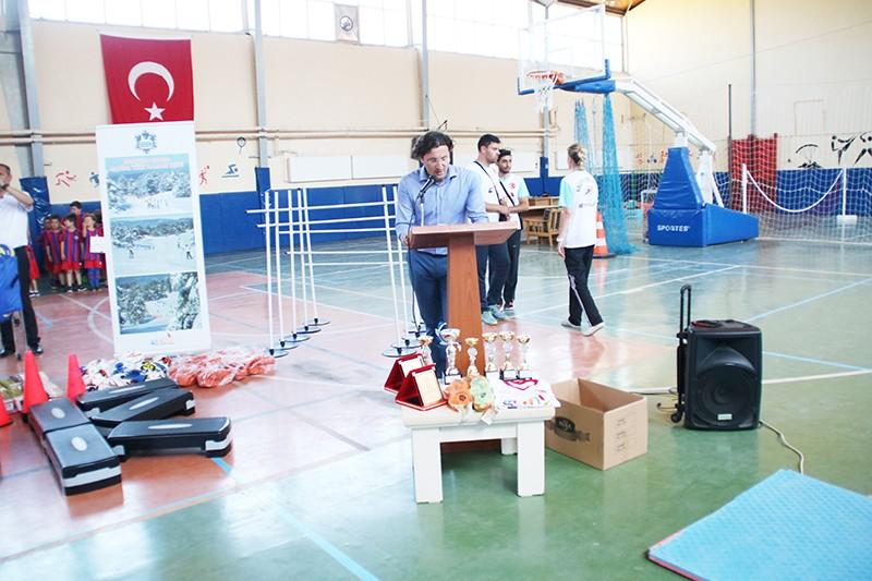 Gediz'de yaz spor okulları açıldı