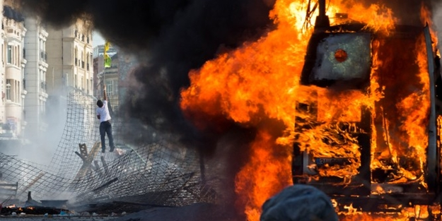 Gezi provokatörleri yine sahnede! Skandal paylaşım...