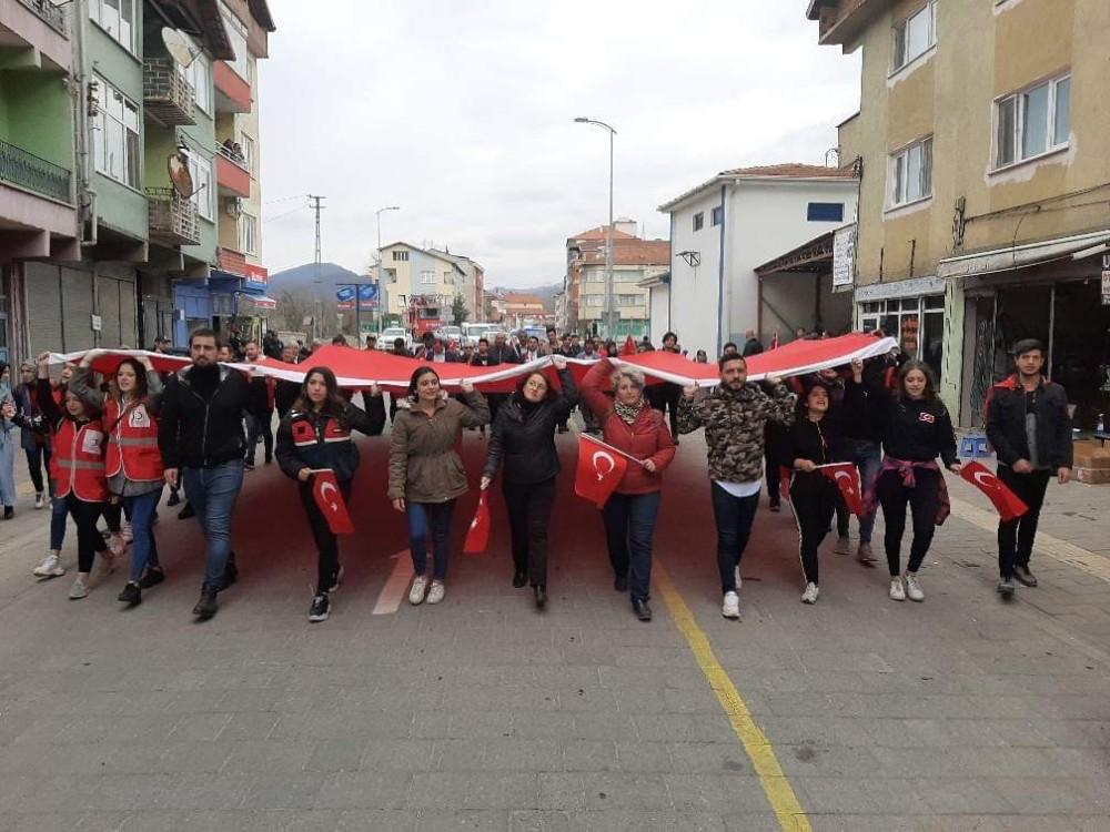 Gökçebey MYO öğrencileri şehitler için yürüdü