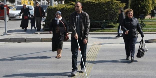 Görme engellilerin dünyasına misafir olduk!