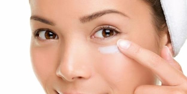 Göz altı morluklarına ne iyi gelir? Göz altı morlukları için doğal çözüm