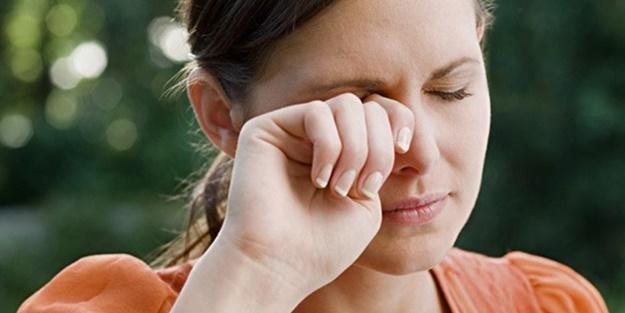 Göz yanması koronavirüs belirtisi midir?
