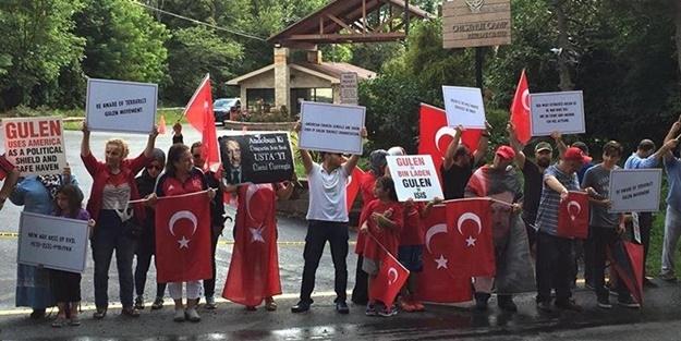 Gülen'e Pensilvanya'da rahat yok! Malikânesinin önünde idam sloganları