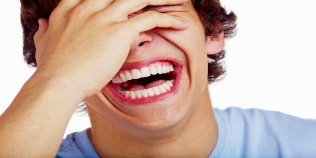 """""""Gülüyorsunuz da ağlamıyorsunuz! Ve siz, gaflet içinde oyalanmaktasınız."""""""