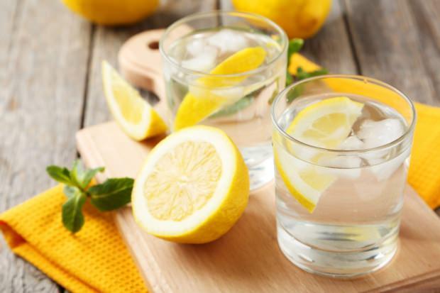 Güne limonlu suyla başlamanın faydaları!