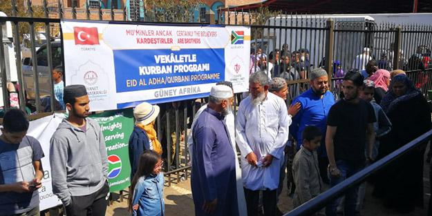 Güney Afrika'da kurban eti dağıtıldı!