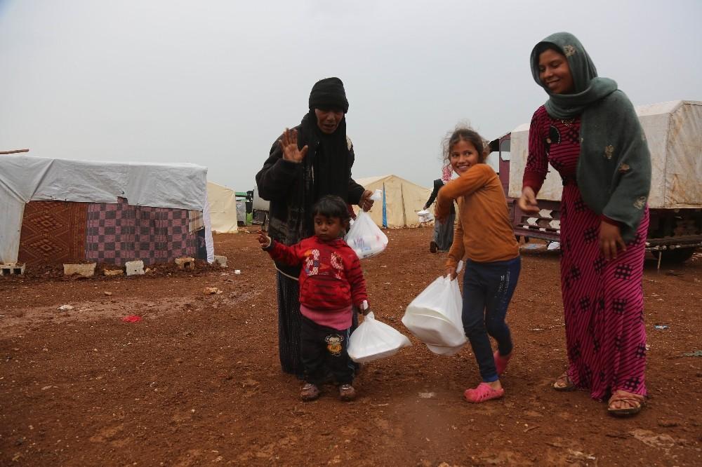 Günlük 6 bin 400 Suriyeli'ye iftar veriliyor