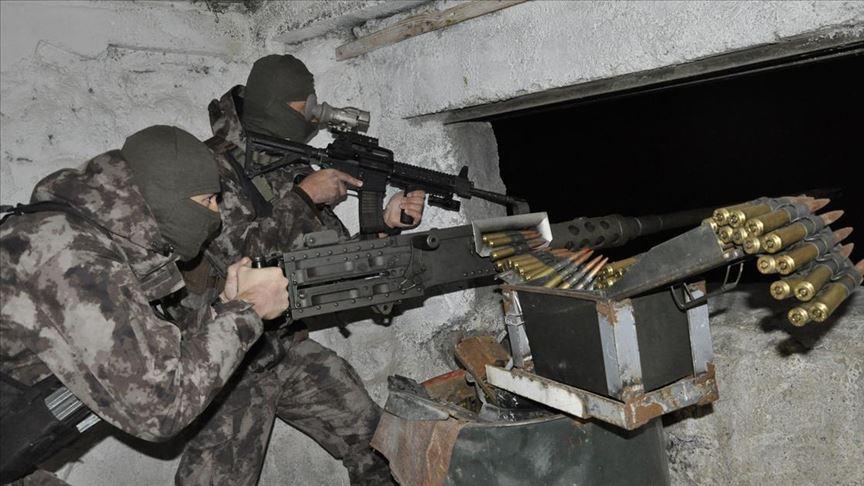 Güvenlik güçleri yeni yılı 'elleri tetikte' karşıladı