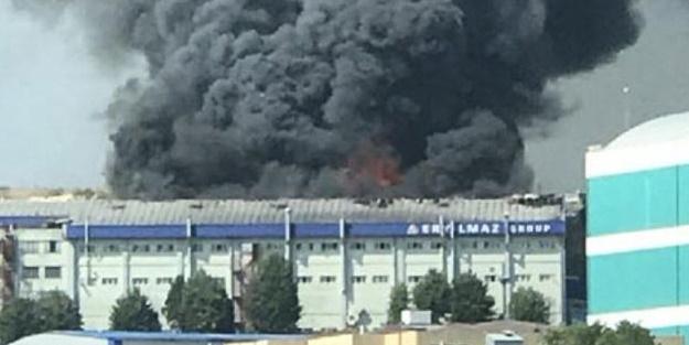 İstanbul'da 5 bin metrekarelik tekstil fabrikasında yangın çıktı!
