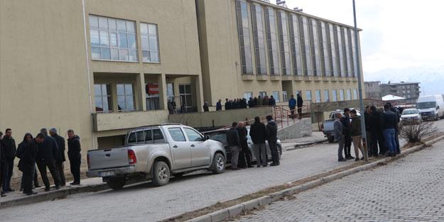 Hakkari'de kaçak elektrik kontrolü sırasında fenalaşan kadın öldü