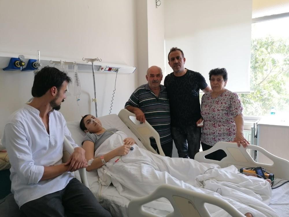 Haluk Levent'ten, kanser hastası anne Dilara'ya ziyaret