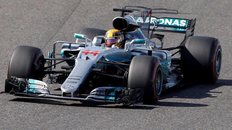 Hamilton şampiyonluğa koşuyor