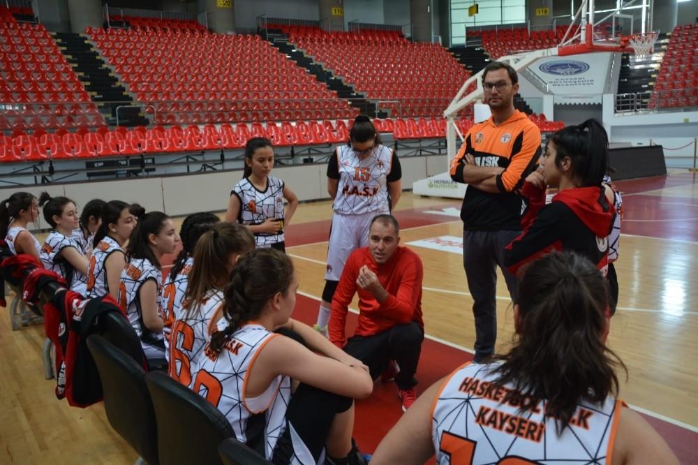 Hasketbol Gençlik U-16 Kız takımı Konya yolcusu