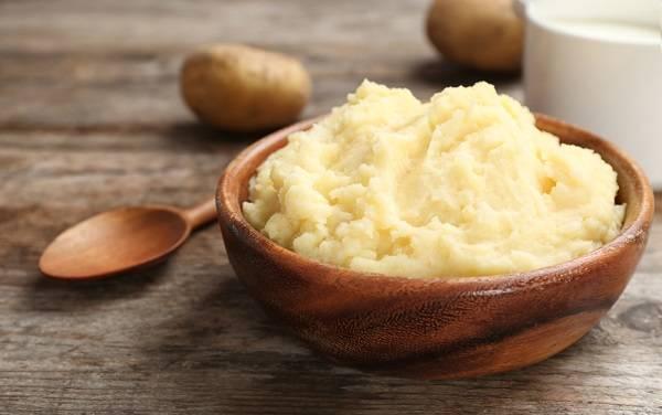 Haşlanmış patates nasıl değerlendirilir? Önceden kalan patatesten püre tarifi