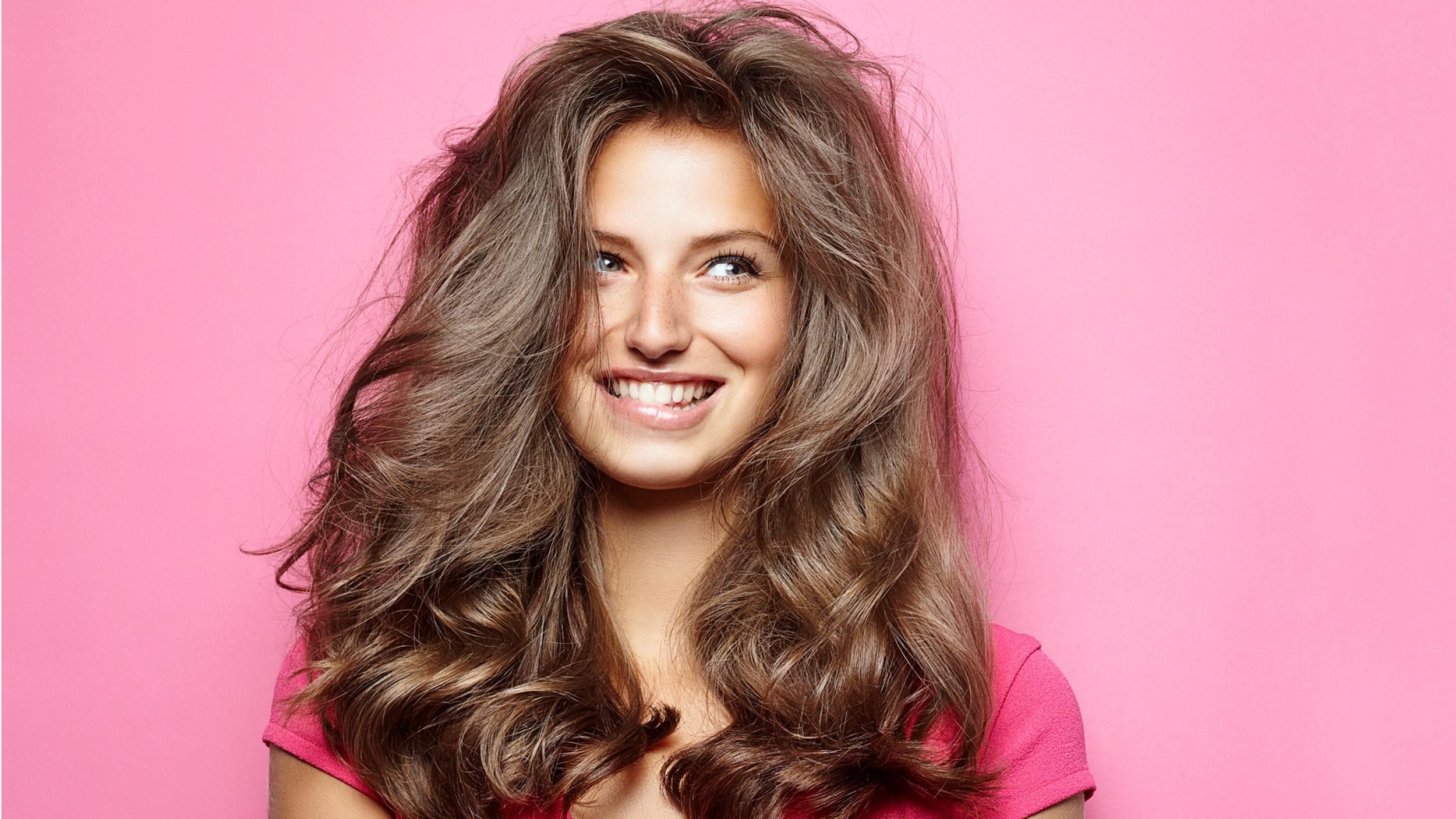 Hassas saç derisini rahatlatmaya yardımcı doğal tedaviler