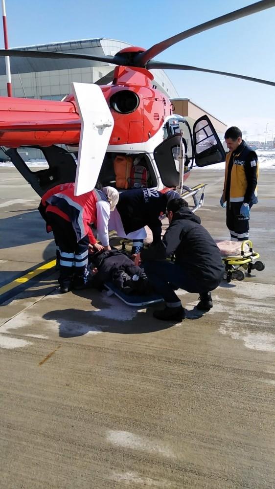 Hastaların imdadına ambulans helikopter yetişti