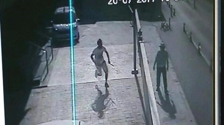 Hatay'da Emniyet Müdürlüğü önünde döner bıçaklı kavga!