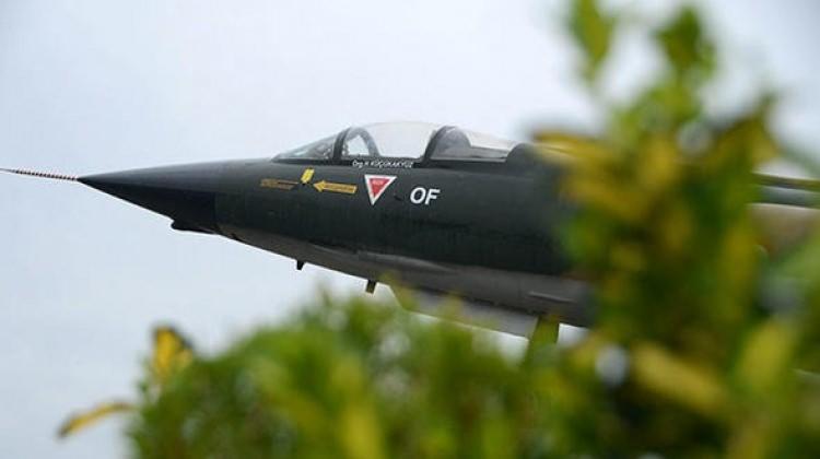Hava Kuvvetleri Komutanı Of ilçesine savaş uçağı hediye etti!
