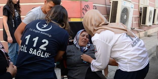 HDP Diyarbakır il binasına girmeye çalışan anneleri polis bırakmadı! Anneler sinir krizi geçirdi