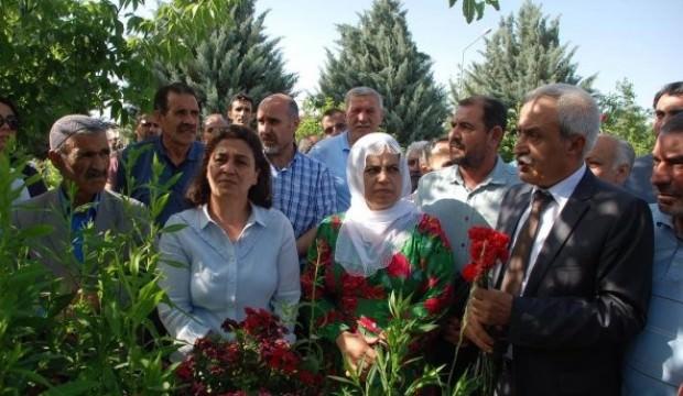 HDP yine bildiğiniz gibi… Tam kadro hainlik!