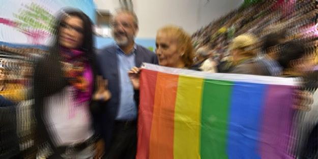 HDP'den sapkınlara konferans desteği!