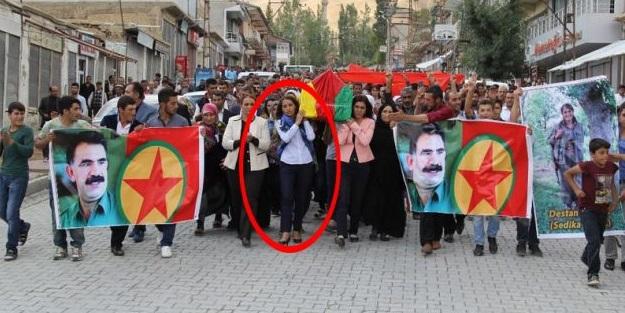 HDP'li vekil terörist tabutunu taşıdı!