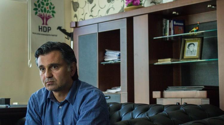 HDP'li Ziya Pir'e savcıya haraketten dava açıldı