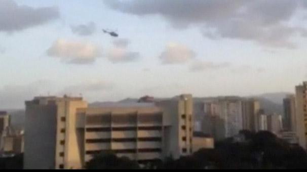 Helikopterli saldırı şoke etti… Dünyada ilk haber! El bombaları…