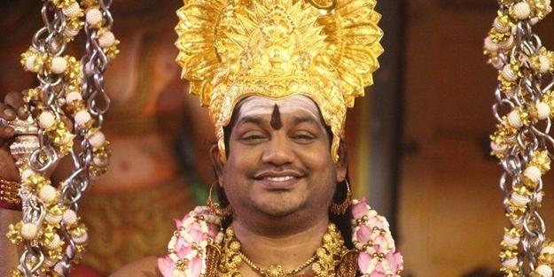 Her yerde aranan Hindu dini lider devlet kurdu!