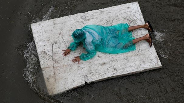 Hindistan'da 10 günde 66 kişi hayatını kaybetti