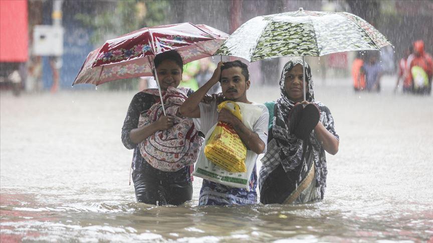 Hindistan'da muson yağmurları bu yıl bin 600'den fazla insanın ölümüne yol açtı
