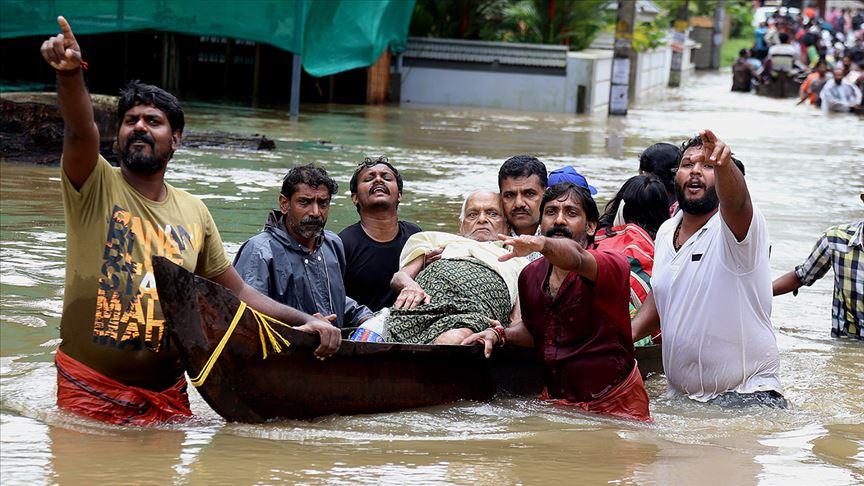 Hindistan'da muson yağmurlarında yaklaşık 2 bin 400 kişi hayatını kaybetti