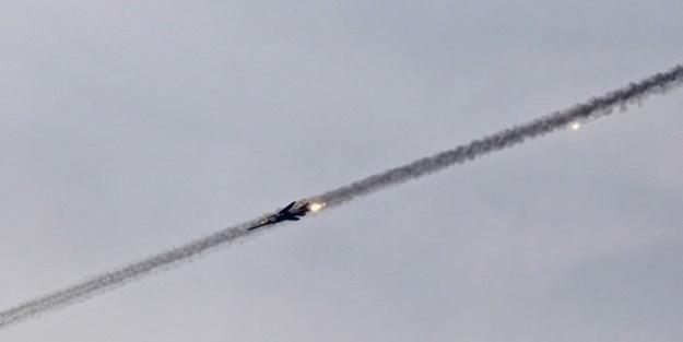 Hindistan'da savaş uçağı düştü!
